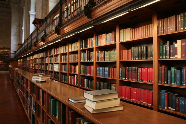 15 Tipos de Personas que Encontrarás en una Biblioteca